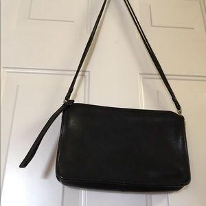 Coach Bags - Vintage Coach Shoulder Bag